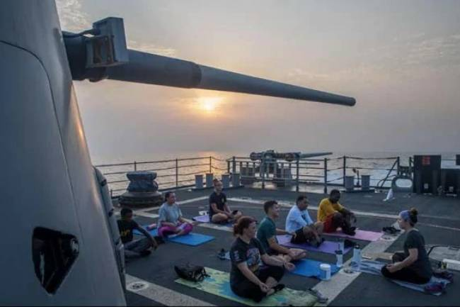 US Navy Admired Yoga on Twitter